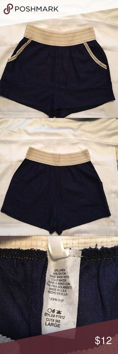 Bellannie Boutique Shorts Details: Previously loved women's blue & beige shorts with elastic waistband and pockets. Made of 55% linen & 45% rayon.  Style:  Size: Large Brand: Bellannie Boutique  Condition: Good condition  Reasonable offers considered. For specifics please read closet information at the beginning of my closet.  Thank you! 🙂  Bundle and save! Discounts offered on orders including 3+ items. 🛒📦📭  Thank you for stopping by to check out my closet! 🤓 Shorts