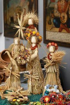 Photo by Bohdan Poshyvailo… Christmas Crafts, Christmas Decorations, Christmas Ornaments, Corn Husk Crafts, Seed Craft, Ukrainian Christmas, Corn Dolly, Corn Husk Dolls, Straw Art
