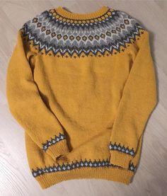 92 отметок «Нравится», 6 комментариев — Silje (@siblni) в Instagram: «Høstgenseren i boks👌 #riddari #islandskstrikk #strikkedilla #madebyme #knitting #knittersofinstagram» Sweaters For Women, Men Sweater, Sweater Knitting Patterns, Cable Knit Sweaters, Style Icons, Free Pattern, Knit Crochet, Rompers, Pullover