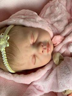 Reborn Baby LOVELYN modelliert von PING LAU Wiedergeborene Babys, Reborn Babies, Etsy, Pacifiers, Nice Asses, Reborn Dolls
