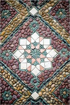 Jeffrey Bale's designs include from abstract to representative of high quality stone work and pebble mosaics on patios, gardens, paths, walls, steps and fountains —He points out that designi… (Patio Step Garden) Mosaic Rocks, Mosaic Stepping Stones, Pebble Mosaic, Stone Mosaic, Pebble Art, Mosaic Art, Mosaic Glass, Mosaic Tiles, Stone Tiles