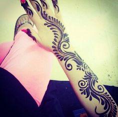 Arabic style henna design