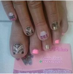 Cute Pedicures, Pedicure Nails, Toe Nail Art, Toe Nails, Painted Toes, Daisy, Nail Designs, Nail Polish, Beauty