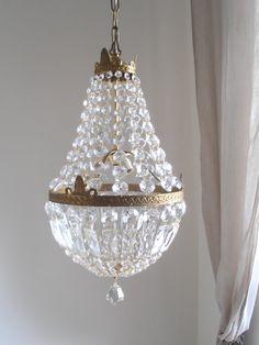 Lampadario stile impero tono oro vintage di cristallo, tre luci, anni 50, restaurato on Etsy, 517,09€