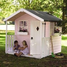 20 Cheerful Outdoor Kids Playhouses | Home Design And Interior #outdoorplayhouseideas