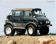 Mercedes Unimog What a land rover wants to be when it grows up! Mercedes Benz Unimog, Mercedes Benz Trucks, Mercedes Sls, 4x4 Trucks, Cool Trucks, M Bmw, Bmw M3, Bug Out Vehicle, Expedition Vehicle