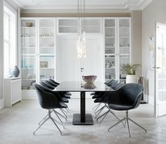 Harmony and soft contrasts in a beautifully Scandinavian dining room | extendable BoConcept Milano dining table & Adelaide dining chairs