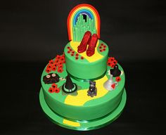 4) Yellow brick road with various motifs on the bottom tier