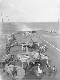 The Royal Navy during the Second World War- Madagascar, April - May 1942 - HMS Formidable - Wikipedia Royal Navy Aircraft Carriers, Navy Carriers, Naval History, Military History, Ww2 Aircraft, Military Aircraft, British Aircraft Carrier, Armada, Flight Deck