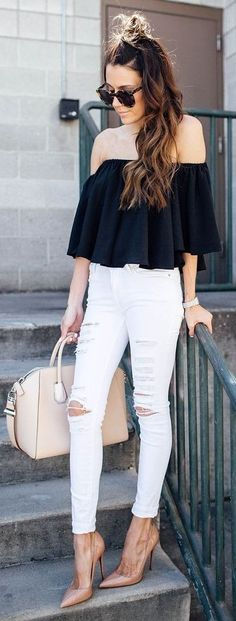 23 Black Off The Shoulder Top White Distressed Denim - Women's Style - Outfits Fashion Mode, Look Fashion, Fashion Outfits, Womens Fashion, Fashion Trends, Runway Fashion, Look Jean, Casual Outfits, Cute Outfits