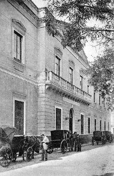 Esta era la originaria portada del Museo de Bellas Artes de Sevilla. Posteriormente se le traspasó la del convento