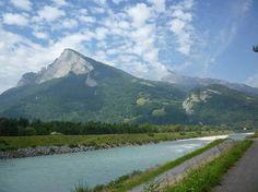 Řeka rýn u města balzers autor wikimedia commons větší obrázek
