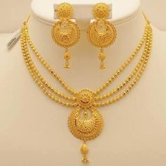 Gold Jewelry For Cheap Gold Ring Designs, Gold Bangles Design, Gold Earrings Designs, Gold Jewellery Design, Indian Gold Jewellery, Indian Gold Necklace Designs, Fashion Jewellery, Women's Fashion, Fashion Outfits