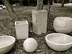 Variance Vessels, by local artisan Zachary Aric Zamora, are a series of multi-functional cement and aggregate sculptures. Beautiful and useful, they work for indoor and outdoor spaces! See more about them after the jump! Concrete Cement, Concrete Crafts, Concrete Garden, Cement Patio, Diy Concrete Mold, Garden Crafts, Garden Projects, Garden Art, Garden Paths