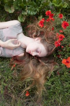❀ Flower Maiden Fantasy ❀ beautiful photography of women and flowers - Ophelia ~ Hamlet