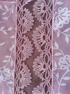 Christmas Pillow Covers, Needle Lace, Tatting, Needlework, Diy And Crafts, Textiles, Embroidery, Napkins, Herbs