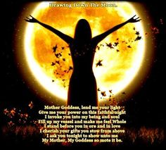 Drawing down the moon - a Wicca practice of drawing energy from the Moon. Chakras, Astrud Gilberto, Drawing Down The Moon, Full Moon Ritual, Moon Dance, Mother Goddess, Divine Mother, Moon Magic, All Nature
