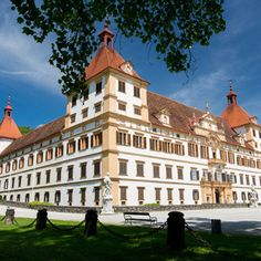 The first impression you'll get of Eggenberg castle when you walk up to its gates, are the many peacocks roaming the extensive grounds. These unusual, stunning birds are not only harbingers of the beauty that awaits you inside the castle, they also hint at the eccentricities of its founder, who built the castle in the 17th century as a symbol of his newly acquired status in the Imperial Court. #feelaustria
