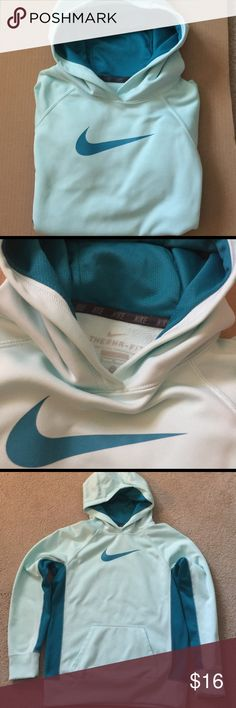 💚NIKE Therma-Fit Hooded Sweatshirt💚 💚Nike..Hooded Sweatshirt..Gorgeous Light green with teal accents..Front pockets..nice condition..💚it's marked as a XL but it diffidently fits like a size Large/ runs small Nike Tops Sweatshirts & Hoodies