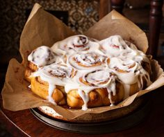 Don't turn on your oven! Make our Slow Cooker Cinnamon Rolls and even skip the rising stage of normal yeast cinnamon buns. Candy Crash, Cinammon Rolls, Slow Cooker Recipes, Cooking Recipes, Small Slow Cooker, Pecan Rolls, Cinnamon Cream Cheeses, Food Categories, Sweet Tooth