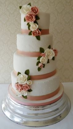 Pretty rose and ribbon wedding cake by Bespoke Wedding Cakes in Oxford   Cake Sweet Cake