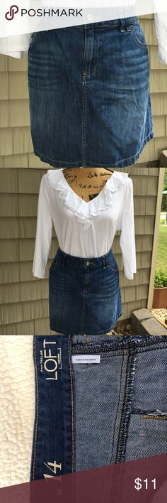 "Ann Taylor Loft mini skirt Ann Taylor Loft denim mini skirt. Two pockets in front and two in back. 16"" long, 21 1/2 from seam to seam on hips, waist 19"". Great condition too‼️❤️ Ann Taylor Loft Skirts Mini"
