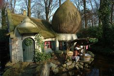 Fairytale House in The Efteling Storybook Homes, Storybook Cottage, Cozy Cottage, Cottage Homes, Fairytale Cottage, Carmel By The Sea, Unusual Homes, Fairy Houses, Hobbit Houses