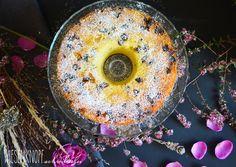 Wiesenknopfschreibselei: Isländischer Eierlikör-Skyr-Kuchen (oder Guglhupf) mit Rosinen wer mag