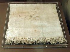 Plain weave linen cloth  Date: ca. 2649–2465 B.C.  Fayum  Accession Number: 12.187.51
