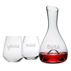 A wonderful gift for weddings, anniversaries or Valentine's Day. The carafe and 2 stemless glasses are sand etched by hand.