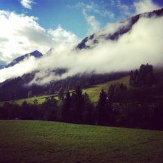 Oggi abbiamo la testa tra le nuvole! Elimina commentoilricamificiofornidisopra#igersud #igersfvg #igersitalia #dolomiti #dolomites#carnia#ilmiofvg #fvg#beautiful#nature#green#ilricamificio #forni #fornidisopra #travel