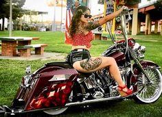 Harley Davidson Bike Pics is where you will find the best bike pics of Harley Davidson bikes from around the world. Female Motorcycle Riders, Motorbike Girl, Motard Sexy, Chicks On Bikes, Motos Harley Davidson, Custom Street Bikes, Chopper Motorcycle, Motorcycle Trailer, Harley Bikes