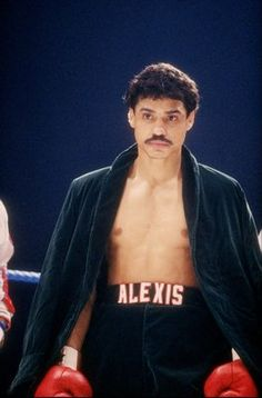 Alexis Arguello- 82-8=0 My dad says he was his favorite fighter.