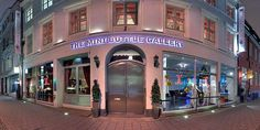 The Mini Bottle Gallery closed during school holidays