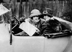 Thelma and Louise in 1922.