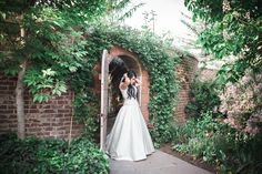 wedding photos taken at the secret garden at thanksgiving point, utah wedding photography