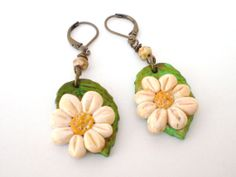 Daisies on leaf-polymer clay flower earrings,daisies,daisy,leaf,czech bead,leverback earrings