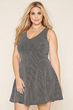Plus Size Grid-Patterned V-Neck Dress