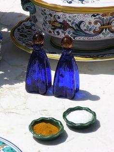 Love these colbalt blue salt/pepper shakers