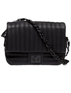 Pochette nera  Una borsetta pratica ed elegante: la pochette! Prezzo: 17€ #kiabi #bag #fashion #newcollection #woman #donna #borsa