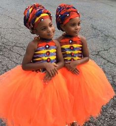 McClure twins: See gorgeous photos of the McClure twins twinning with their mother in African attire Ankara Styles For Kids, African Dresses For Kids, African Lace Dresses, African Children, African Wedding Attire, African Attire, African Fashion Ankara, African Print Fashion, Mcclure Twins