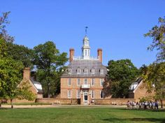 The Governor's Palace at Colonial Williamsburg is a prime example of Colonial architecture. First built in 1706, and reconstructed in 1931. http://materialsunlimitedblog.blogspot.com/2014/04/colonial-revival-architecture-american.html