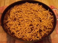 Chinese Hamburger Hash This is a favorite from my younger years. I lost the recipe. So glad to find it online! Guess what's for dinner Hamburger Hash, Hamburger In Crockpot, Hamburger Casserole, Hamburger Ideas, Hamburger Recipes, Chicken Casserole, Beef Recipes, Yummy Recipes, Supper Recipes