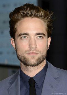 NYC Premiere of Cosmopolis, Robert Pattinson soachingly handsome.