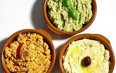 Hummus on hyvää paitsi aamiaisvoileivän päällä, myös ruokien lisäkkeenä, kastikkeena, dippinä. Pane kikherneet likoon edellisenä päivänä ja keitä i...