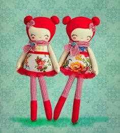 <3 <3 <3!!!!!  This is MY FAVORITE!!!!  <3 <3 <3!!!!  Sweet dolls by Nooshka on Etsy