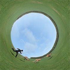 Deze surrealistische fotograaf koestert zijn innerlijke Magritte   The Creators Project