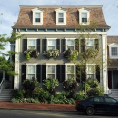 Home exterior designs are a crucial part of your home's curb appeal. New England Style, New England Homes, Nantucket Home, Nantucket Style, Nantucket Island, Resorts, Cottage Design, Cozy Cottage, Mid Century House