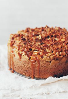 Apple crumble cake with malt caramel ★