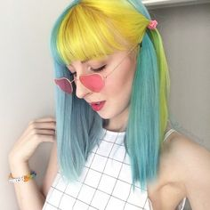 Hair dyed half colour 20 Ideas Half And Half Hair Color Colour dyed hair Ideas Yellow Hair, Pink Hair, Neon Hair, Violet Hair, White Hair, Hairstyles With Bangs, Pretty Hairstyles, Pelo Guay, Split Dyed Hair